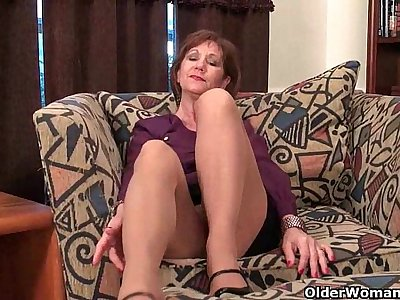 Mature mom unleashes her naughty side