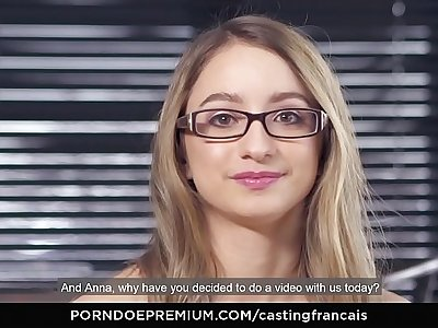 CASTING FRANCAIS - Fit newbie Emma first time porn scene and cum on pussy